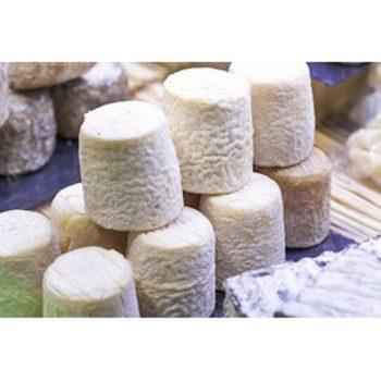 2 fromages de chèvre frais Poids 170 g environ l'unité Fabriqué avec 1 litre de lait par fromage