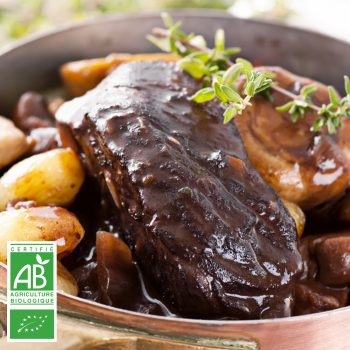Boeuf à braiser BIO par la Ferme Bichet, viande de boeuf charolais bio à la ferme traditionnelle, domaine et prairies naturelles, livraison fraîcheur.