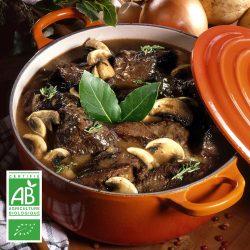 Boeuf bourguignon BIO par la Ferme Bichet, viande de boeuf charolais bio à la ferme traditionnelle, domaine et prairies naturelles, livraison fraîcheur.