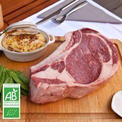 Côte de boeuf BIO par la Ferme Bichet, viande de boeuf charolais bio à la ferme traditionnelle, domaine et prairies naturelles, livraison fraîcheur .