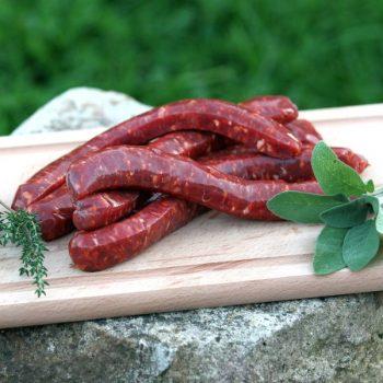 Merguez de bœuf par 6 par la Ferme Bichet, viande de boeuf charolais bio à la ferme traditionnelle, domaine et prairies naturelles, livraison fraîcheur.