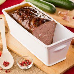 Pâté de la campagne charolaise au boeuf à trancher par la Ferme Bichet, viande de boeuf charolais bio à la ferme traditionnelle, domaine et prairies naturelles, livraison fraîcheur.