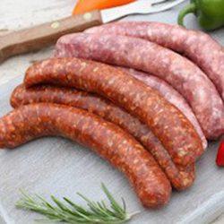 Pack 3 saucisses La Ferme Bichet par la Ferme Bichet, viande de boeuf charolais bio à la ferme traditionnelle, domaine et prairies naturelles, livraison fraîcheur.