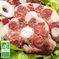 Queue de boeuf charolais BIO par la Ferme Bichet, viande de boeuf charolais bio à la ferme traditionnelle, domaine et prairies naturelles, livraison fraîcheur.