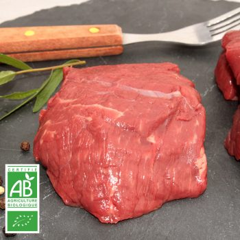 Rumsteck BIO par la Ferme Bichet, viande de boeuf charolais bio à la ferme traditionnelle, domaine et prairies naturelles, livraison fraîcheur.