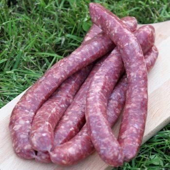 Saucisses de bœuf par 6 par la Ferme Bichet, viande de boeuf charolais bio à la ferme traditionnelle, domaine et prairies naturelles, livraison fraîcheur.
