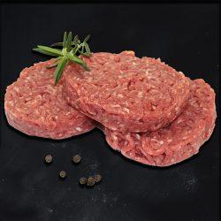Préparation de viande hachée au fromage par la Ferme Bichet, viande de boeuf charolais bio à la ferme traditionnelle, domaine et prairies naturelles, livraison fraîcheur.